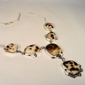 Jewelry - Genuine Beige & Brown Spotted Sea Shell necklace
